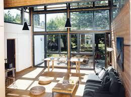 Une extension de verre et de bois